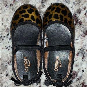 💋OshKosh Leopard Flats